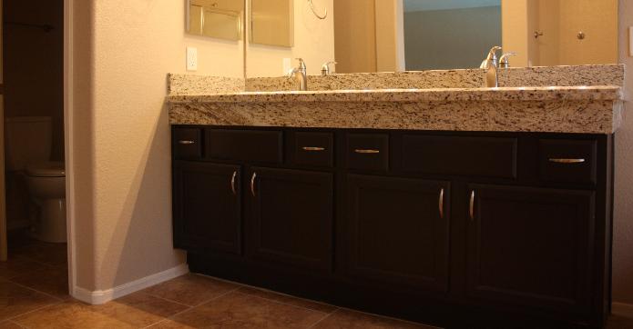 how tall is a bathroom vanity