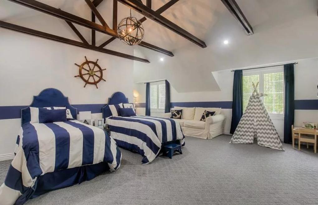 nautical bedroom decor