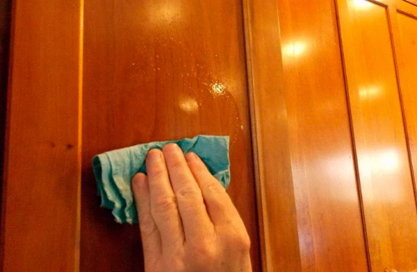how to clean cabinets