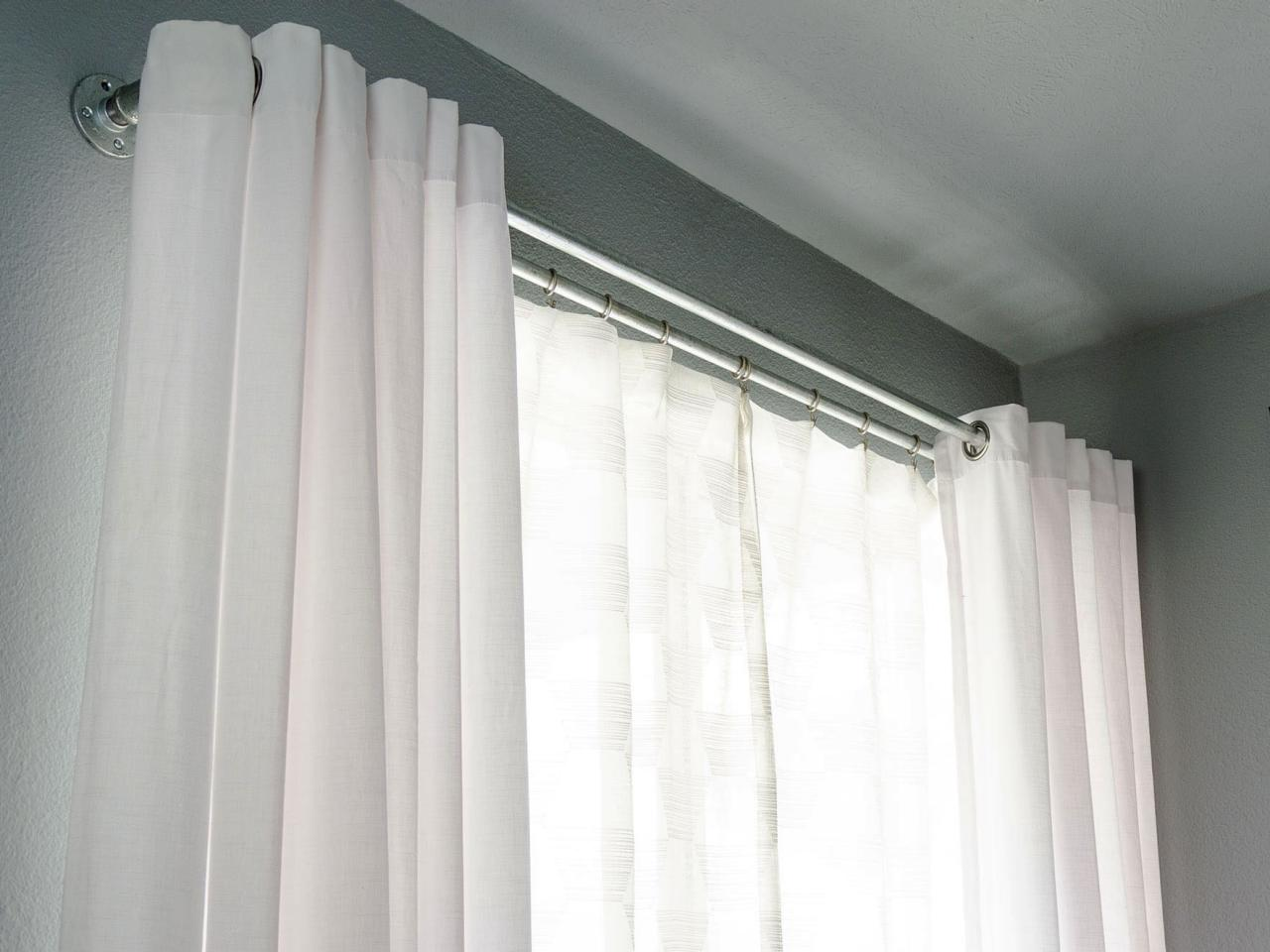 how to put two curtains on one rod